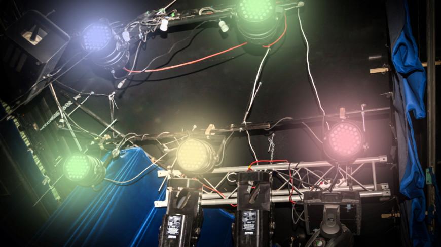 В театре,театр, свет, прожектор, освещение, концерт, выступление, шоу, ,театр, свет, прожектор, освещение, концерт, выступление, шоу,