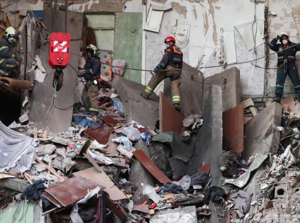 В Орехово-Зуеве после взрыва газа из-под завалов спасли кота