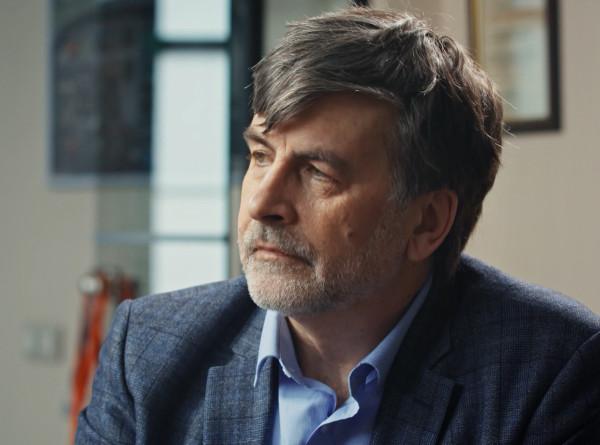 Российский ученый: Идет гонка, кто успеет первым – вирус или мы