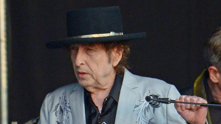 Боб Дилан впервые возглавил чарт Billboard