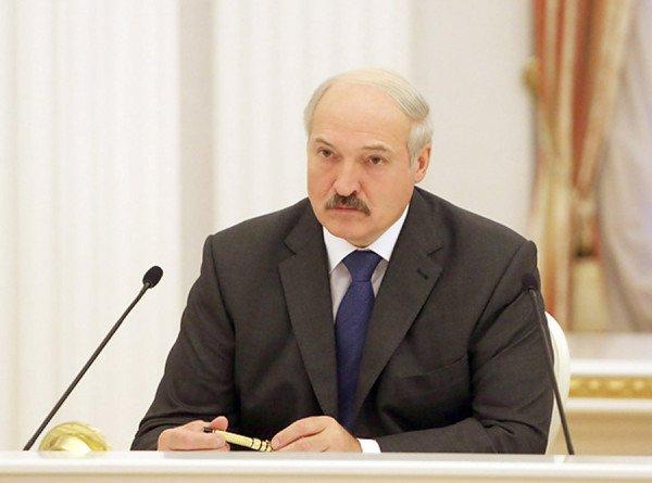 Лукашенко: Россия боится нас потерять