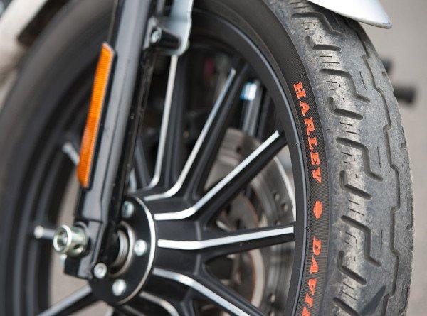 Под рев «Планеты» и «Юпитера»: в Ижевске устроили мотопробег на раритетных мотоциклах