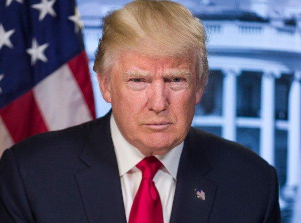 Стрельба у Белого дома: охрана увела Трампа с пресс-конференции