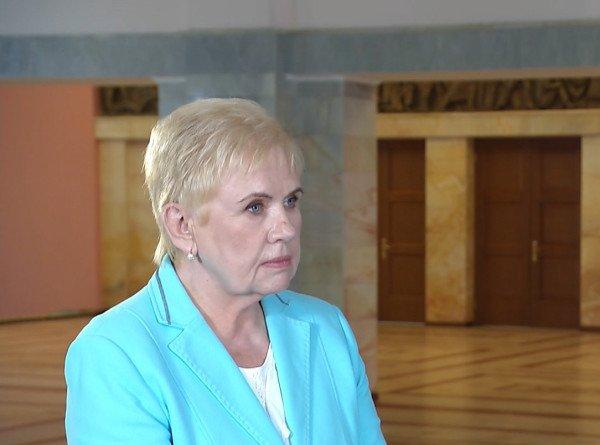 Глава ЦИК Беларуси Лидия Ермошина назвала причины высокой явки на выборах и рассказала, как голосуют пациенты с COVID