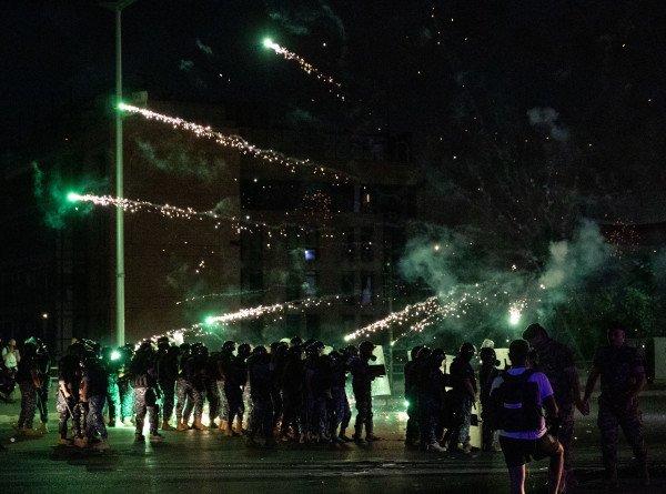 Отставка правительства Ливана не остановила массовые протесты