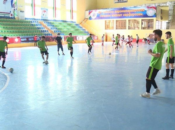 В Таджикистане начался чемпионат страны по футзалу