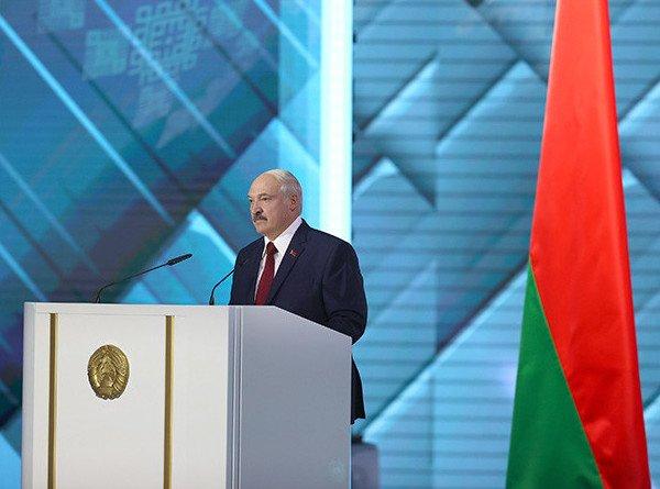 «Беларусь – наша, любимая, а любимую не отдают»: основные тезисы послания Александра Лукашенко