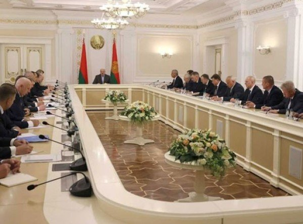 Лукашенко: Проведение выборов как праздника – хорошая белорусская традиция