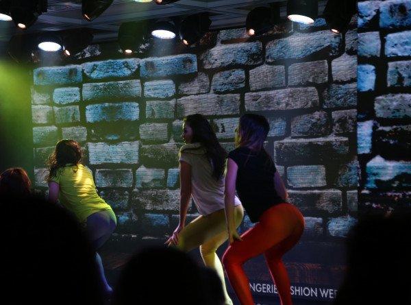 Дженнифер Грей снимется в новой версии фильма «Грязные танцы»