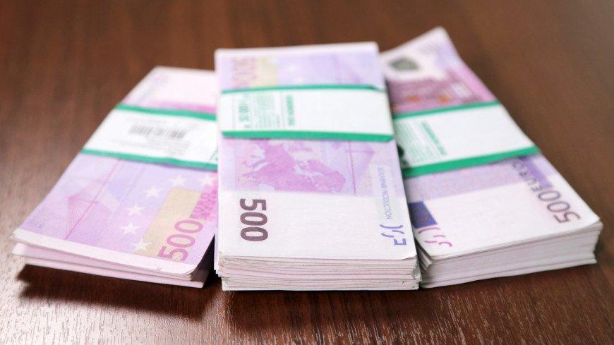 Россиянин отсудил 742 тысячи евро у Mercedes за неисправный Maybach