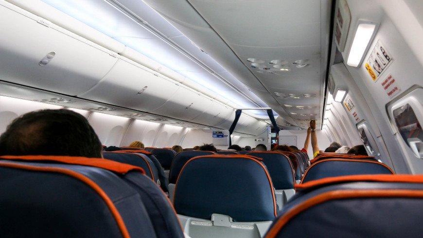 В АТОР рассказали о порядке действий при контакте с больным COVID-19 в самолете