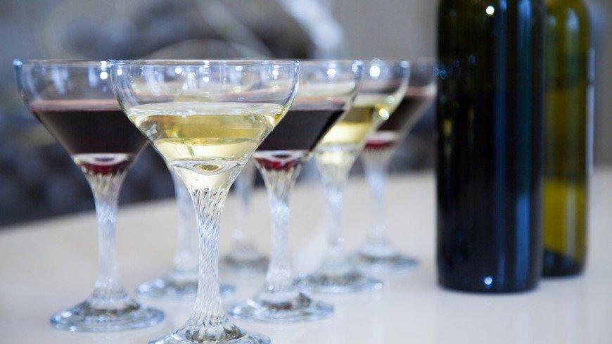 Ученые назвали алкогольный напиток, облегчающий течение коронавируса