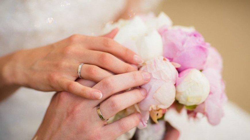 """Фото: Елизавета Шагалова, """"«МИР 24»"""":http://mir24.tv/, молодожены, свадьба, невеста, жених, кольца"""