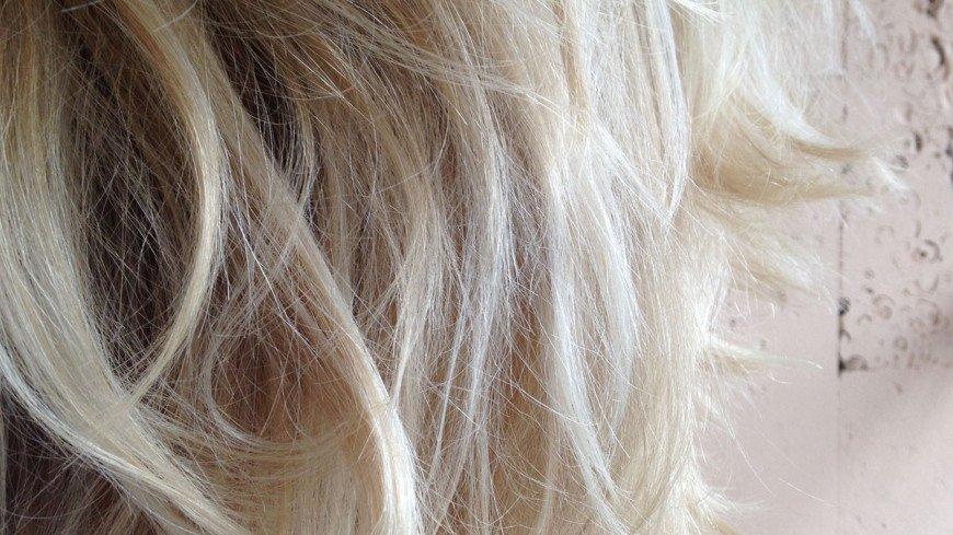 Врач: У переболевших COVID-19 часто наблюдается выпадение волос