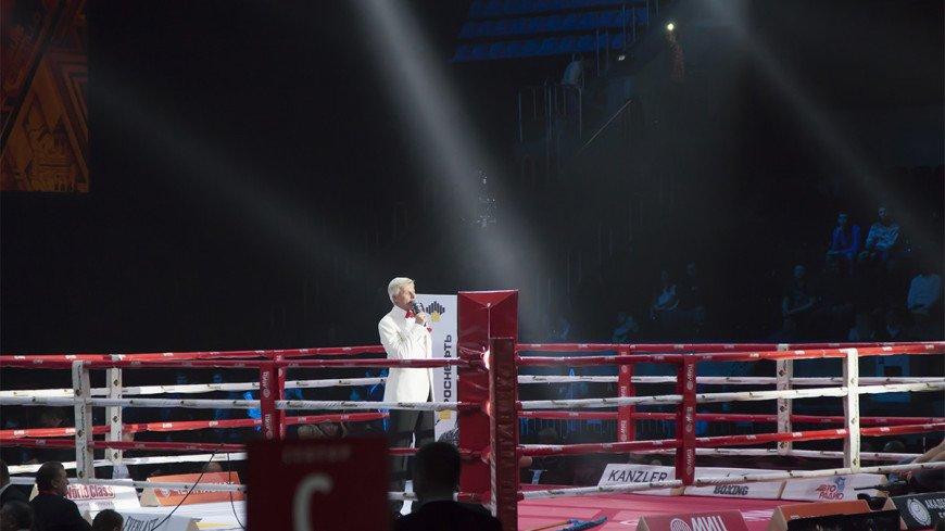 Сын Кости Цзю отправил в нокаут экс-чемпиона мира и восхитил отца