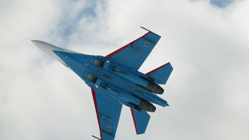 Российский Су-27 перехватил американские самолеты над Черным морем