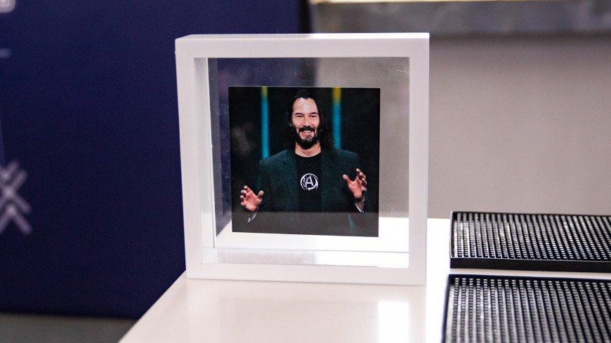 Киану Ривз похвалил «дух шоу-бизнеса» на съемочной площадке «Матрицы 4»