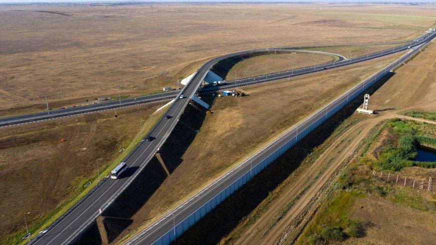 Министр Дитрих поставил «твердую пятерку» качеству покрытия трассы «Таврида»