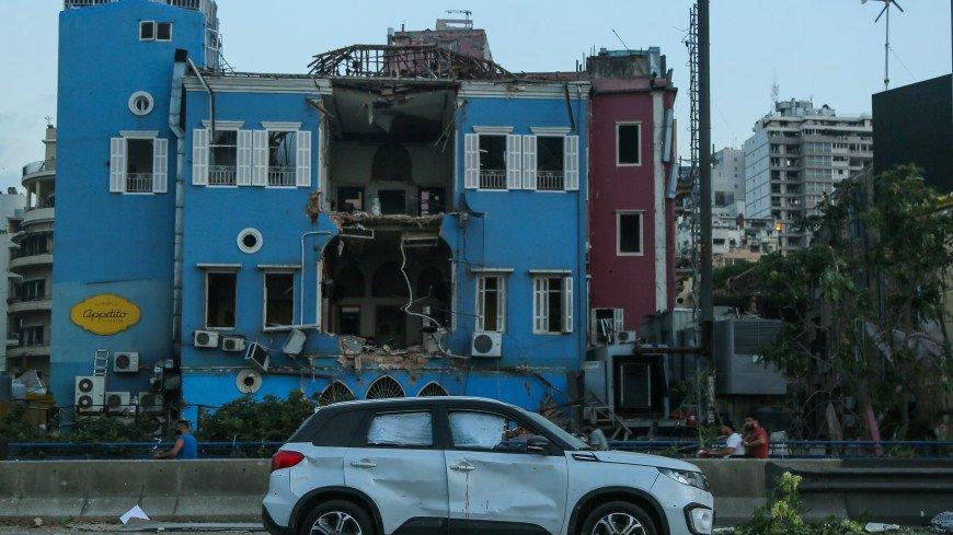 Выжженная земля и остовы зданий: Бейрут приходит в себя после взрыва