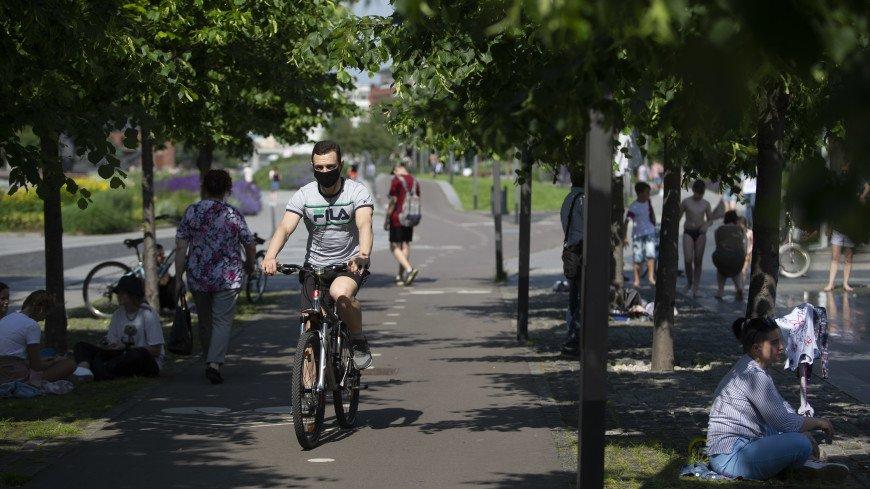 Собянин заявил о необходимости носить маски в Москве в ближайшие месяцы