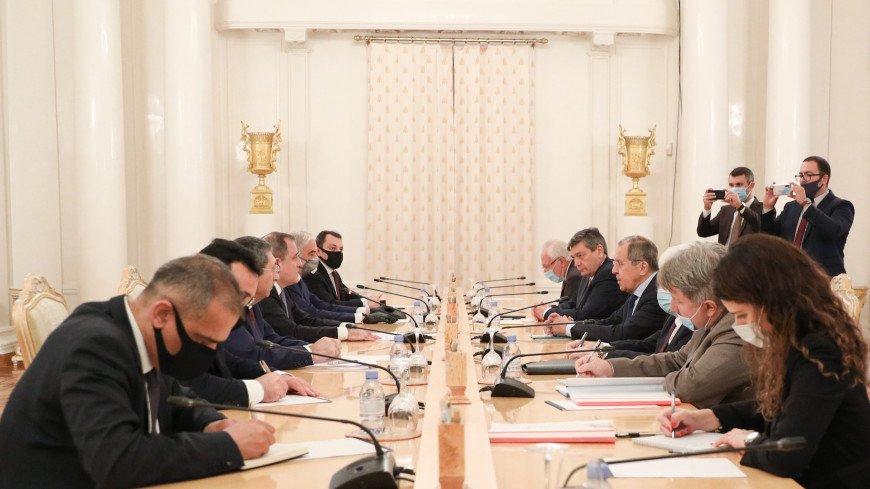 В Москве главы МИД России и Азербайджана обсуждают двусторонние отношения