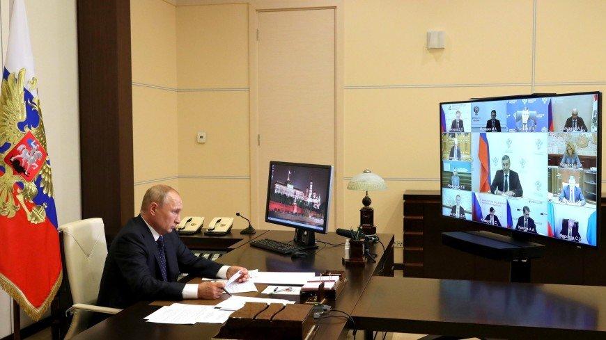 Путин потребовал от главы Минобрнауки объяснений по поводу роста цен на обучение