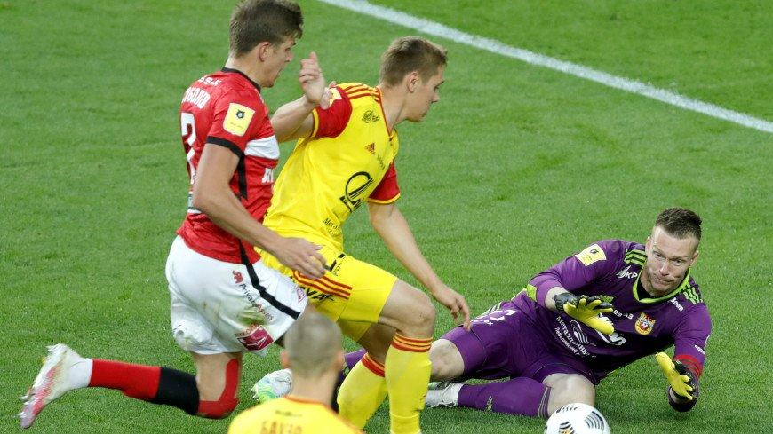 «Спартак» вышел на первое место в РПЛ, обыграв «Арсенал»