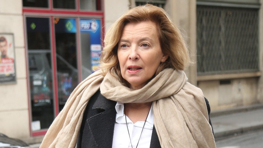 Бывшую жену Олланда уволили из журнала после 30 лет работы