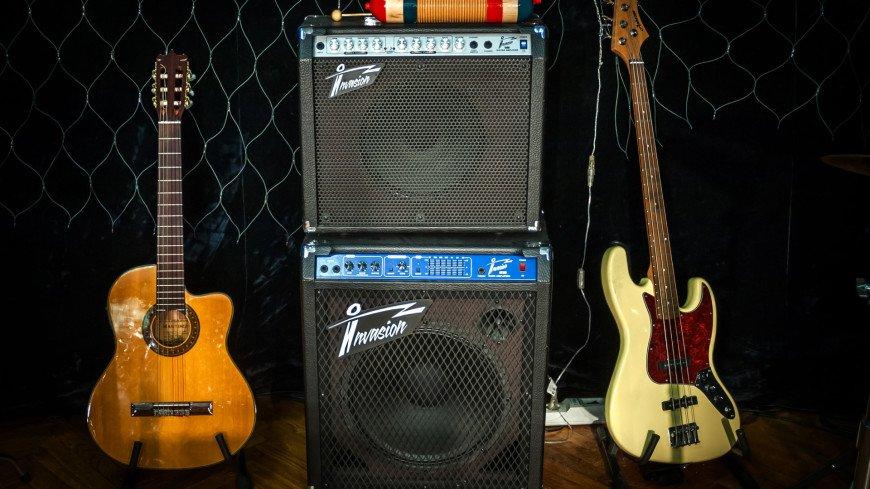 Музыкальная колонка,студия звукозаписи, звукозаписывающая студия, фонограмма, певец, певица, Музыкальная колонка, громкость, гитара, ,студия звукозаписи, звукозаписывающая студия, фонограмма, певец, певица, Музыкальная колонка, громкость, гитара,