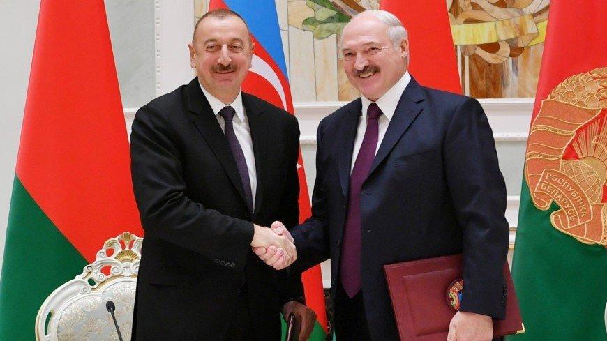 Алиев поздравил Лукашенко с победой на выборах