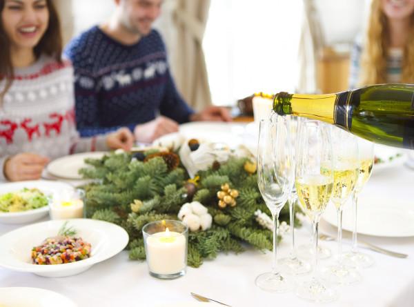 Вкусно и оригинально: топ-6 закусок для новогоднего стола