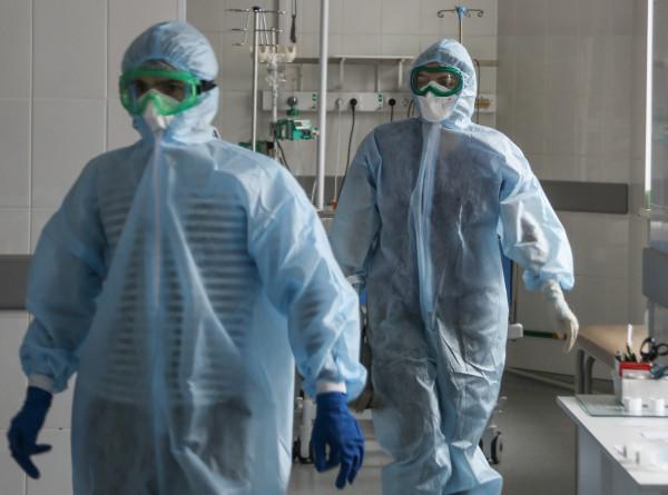 Российские врачи тестируют шлем с вентилятором для «красной зоны». ЭКСКЛЮЗИВ