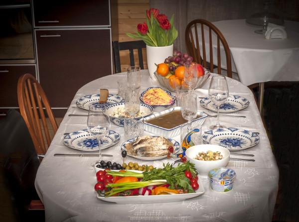«Мимоза» со шпротами: необычный салат прекрасно подойдет для новогоднего стола