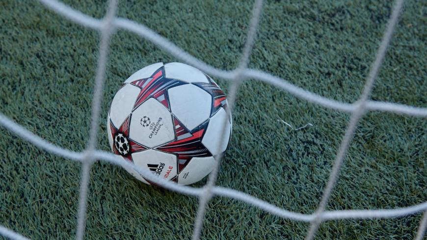 """Фото: Дмитрий Белицкий (МТРК «Мир») """"«Мир 24»"""":http://mir24.tv/, ворота, футбол, спорт, футбольное поле, мяч, футбольный мяч, бутсы"""