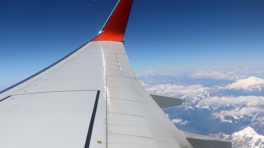 Самолет сел в Екатеринбурге из-за срабатывания датчика неисправности