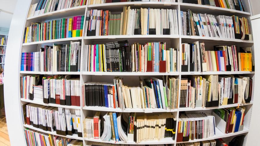 Сплошной нон-фикшн: россияне стали читать меньше художественной литературы
