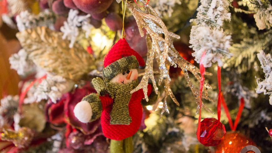 """""""Фото: Алан Кациев (МТРК «Мир»)"""":http://mir24.tv/, елка, новый год, елочные украшения, новогодняя ель"""