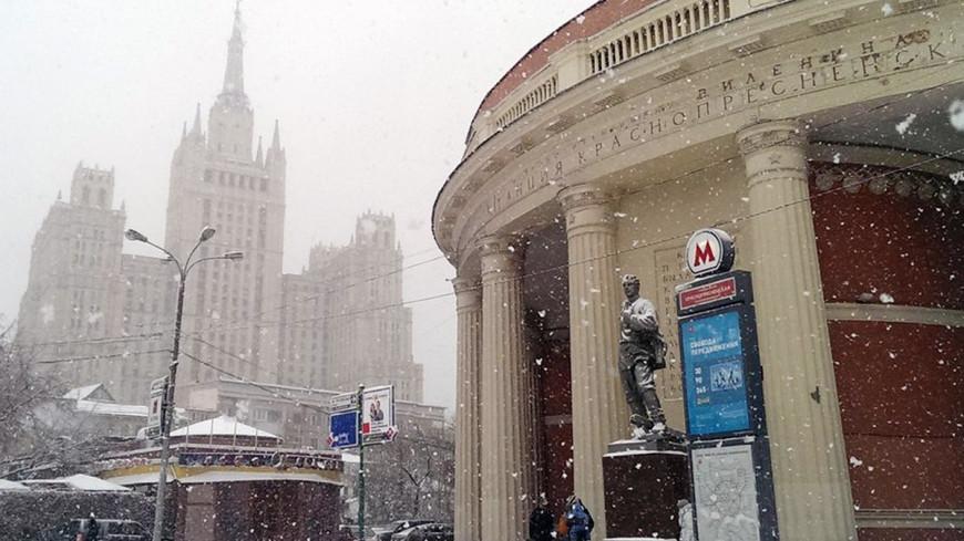 "Фото: Елизавета Шагалова, ""«МИР 24»"":http://mir24.tv/, краснопресненская, москва, снегопад, снег, зима"