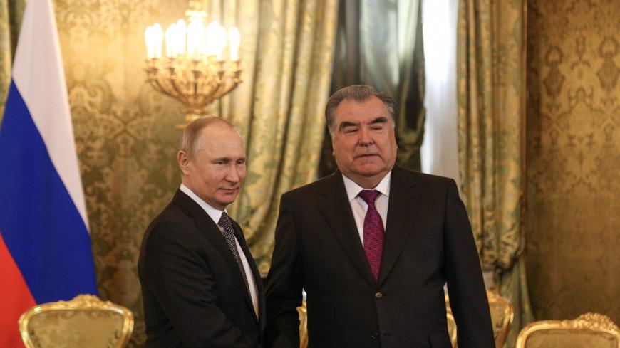 Владимир Путин и Эмомали Рахмон обменялись поздравлениями с наступающим Новым годом