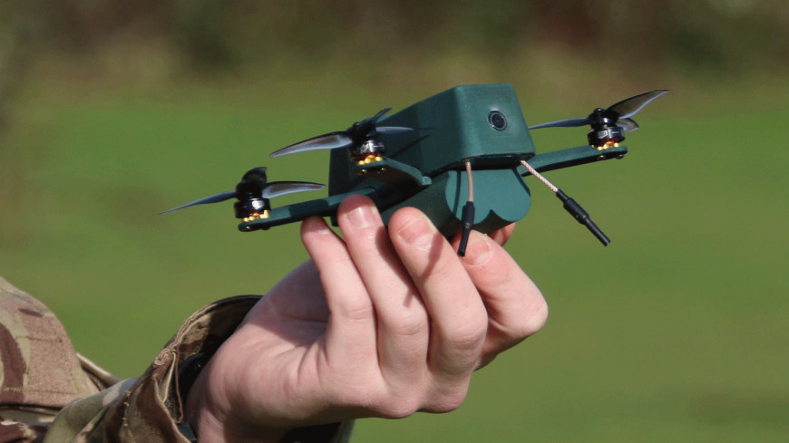 В Великобритании военные испытали компактный беспилотник