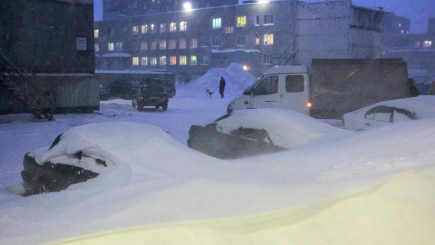 Стихия в Норильске: на улицах города работает тысяча коммунальщиков