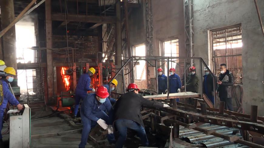 Новиков посетил предприятия на юге Кыргызстана, пообещав поддержку бизнесу
