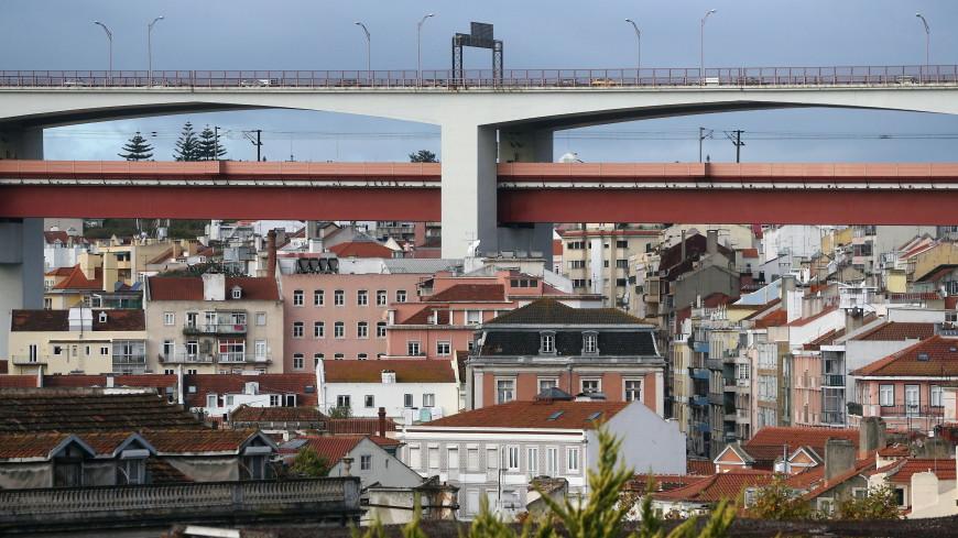 В Португалии запретили посещать родственников в Новый год