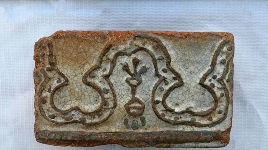 На раскопках у кинотеатра «Художественный» нашли керамику XVI века