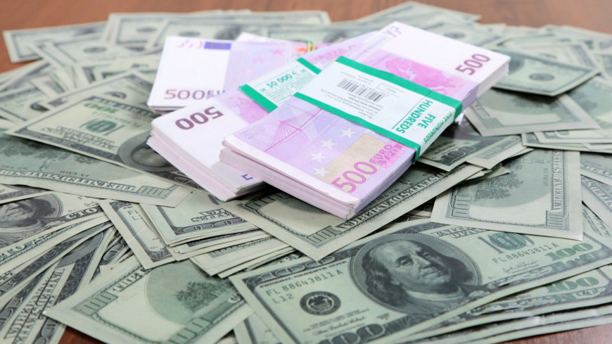 Доллар и евро обновили максимум с начала декабря