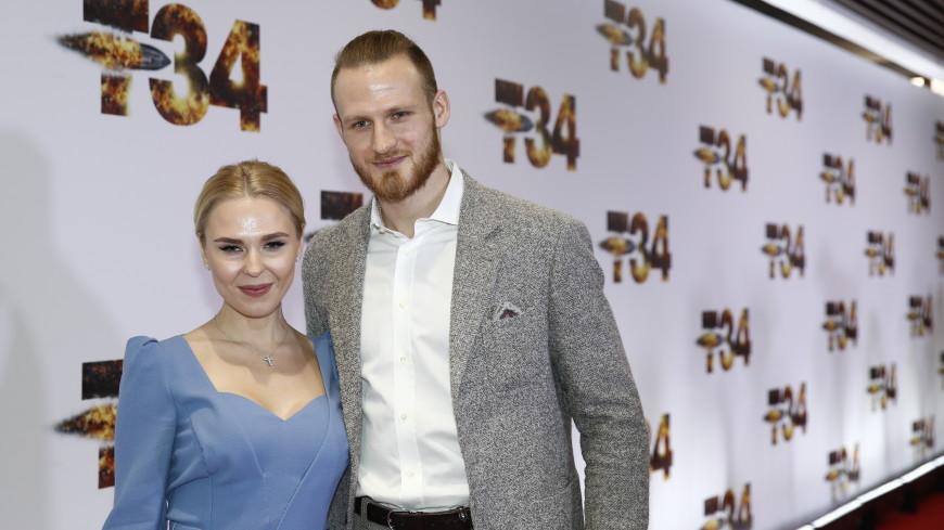 Пелагея официально развелась с хоккеистом Иваном Телегиным