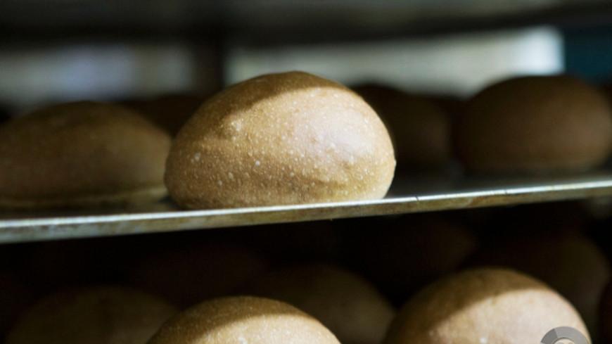 Российским хлебопекам, согласившимся заморозить цены, компенсируют затраты