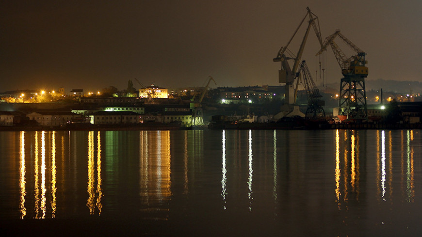 В порту Туапсе столкнулись два иностранных грузовых судна