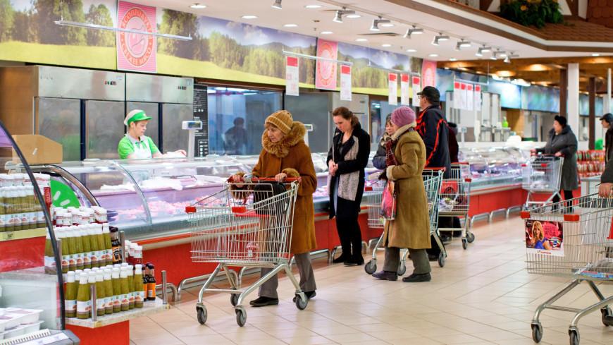 """Фото: Алексей Верпека (МТРК «Мир») """"«Мир 24»"""":http://mir24.tv/, тележка, магазин, магазины, распродажа, sale, продуктовый магазин"""