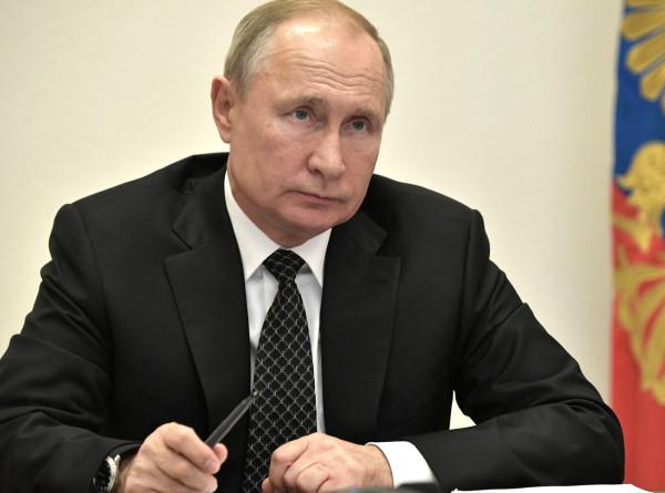 Путин обсудил с Меркель и Макроном ситуацию в Сирии и Ливии